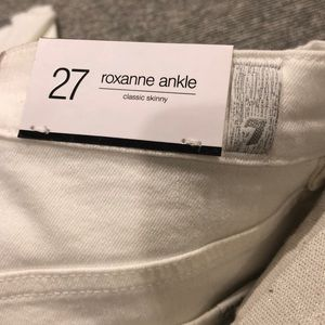 7 For All Mankind Jeans - Size 27 7 all man kind white jeans Roxanne ankle